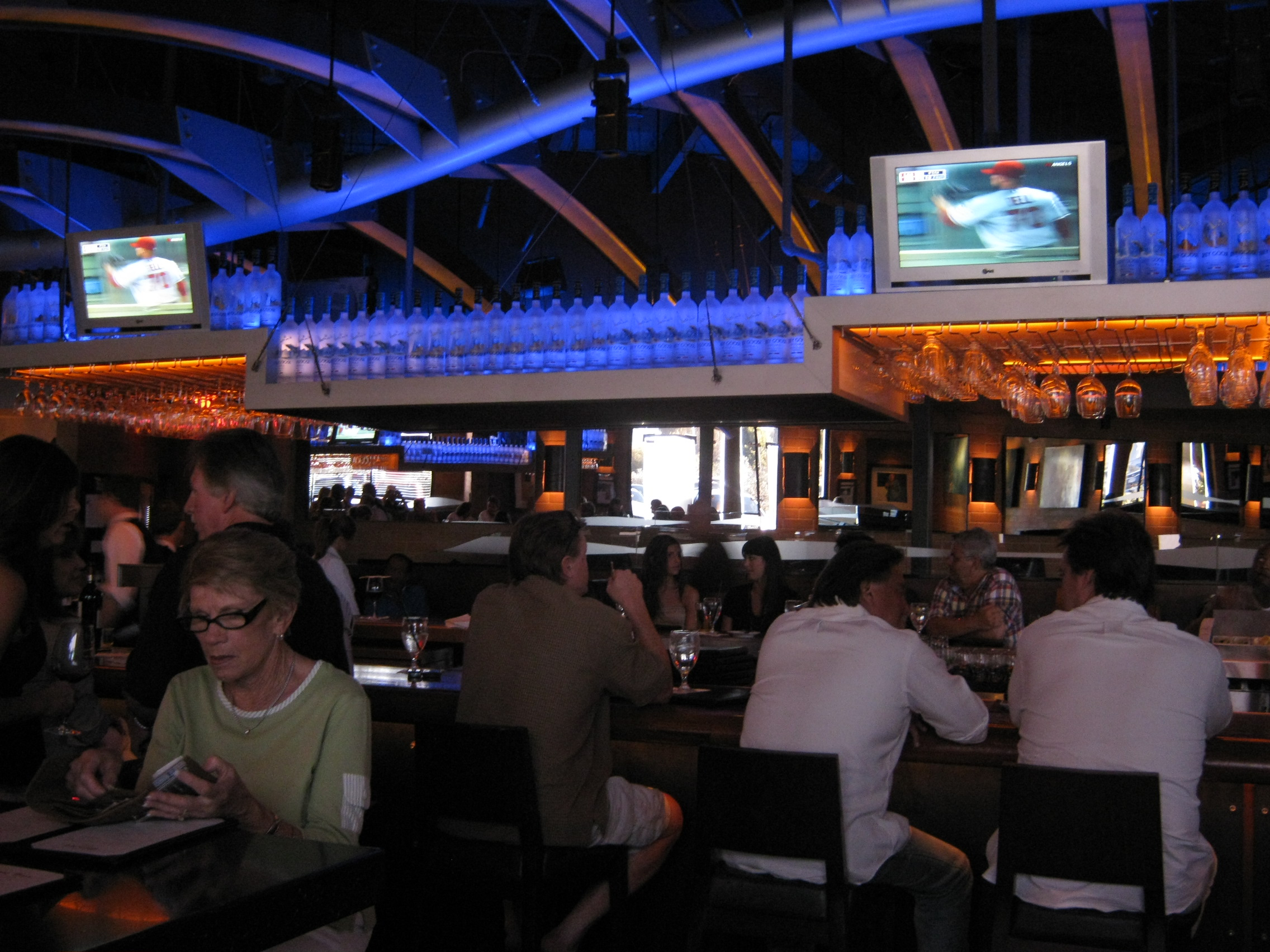 Goodeatsinsocal delicious tidbits about restaurants in socal for Wild fish san antonio